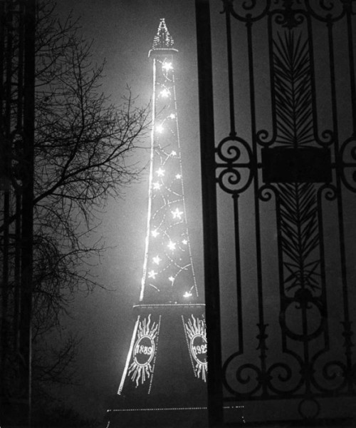 Brassa_-Tour_Eiffel-1932_large